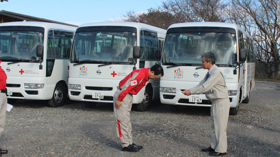 In the fishing port of Yamada, in Iwate Prefecture the Japanese Red Cross has donated six buses to local schools in order to help transport children from temporary housing settlements.