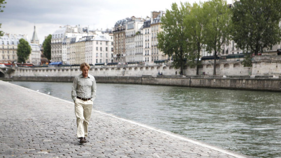 """""""Midnight in Paris"""": Owen Wilson stars as a time-traveling screenwriter in this Woody Allen-directed film. (Hulu)"""
