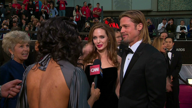 Brad Pitt brings mom and dad to Oscars