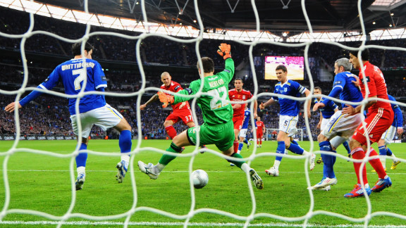 Liverpool eventually equalized in the second half, when Slovakia defender Martin Skrtel turned a low shot into the net from a corner. The score was level at 1-1 after 90 minutes, forcing the match into extra time.