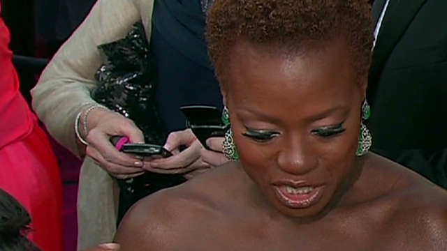 Viola Davis skips the wig for Oscars