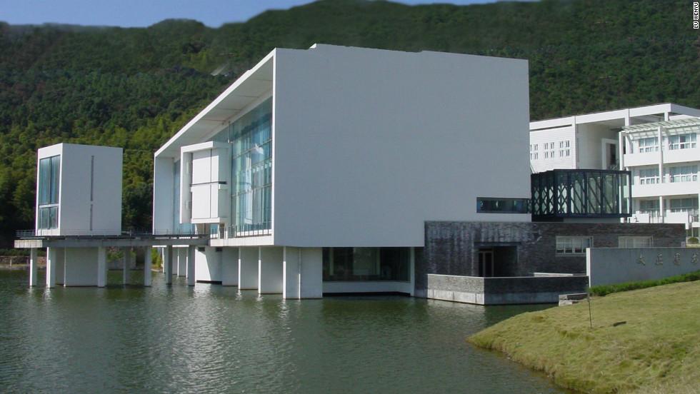 Chinese 'amateur' wins prestigious architecture prize - CNN