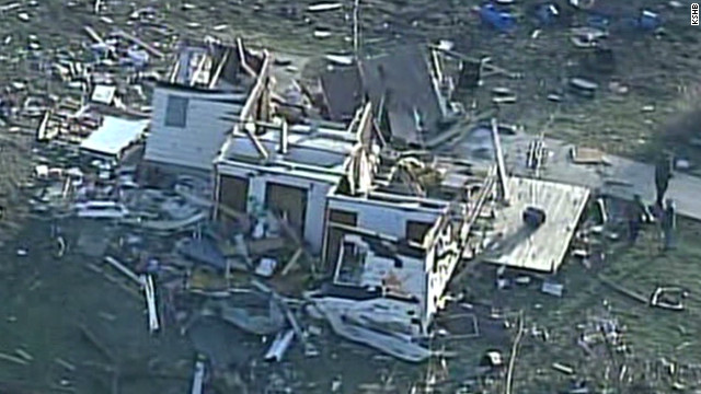 Storm tears through Kansas town