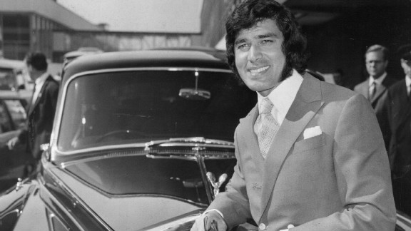 Popular romantic crooner Engelbert Humperedinck leans on his Rolls-Royce in 1970.