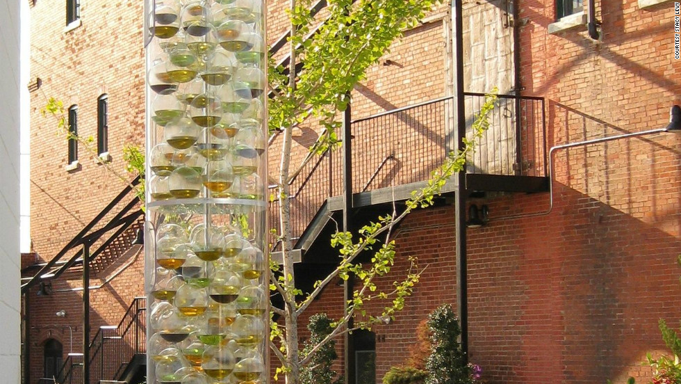 Sculptor Stacy Levy has created a dynamic installation in the city of Philadelphia that responds to temperature rises and changes in air quality in the local environment. The glass globes contain different types of vegetable oils that cloud and clear depending on the atmosphere outside.