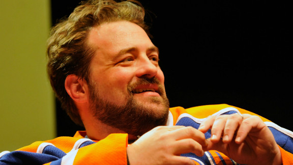 "Kevin Smith is planning a stage production of ""Clerks III"" on Broadway in 2014."