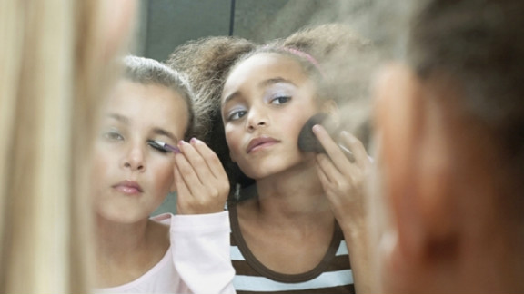 Some parents do let their girls wear makeup to school, so it