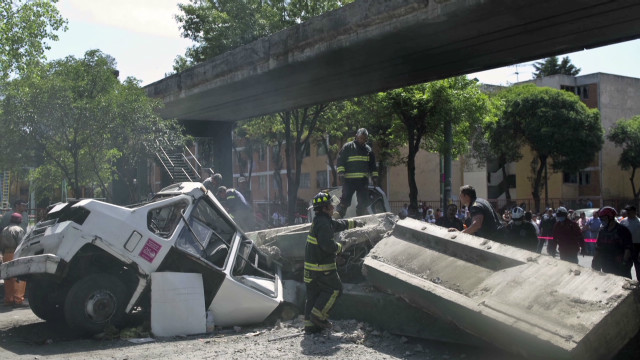 Bridge falls on minibus in Mexico quake