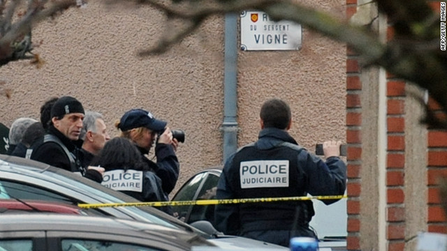 Suspect in French terror attacks dead