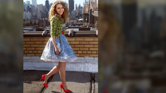 """AnnaSophia Robb plays a young Carrie Bradshaw on The CW's """"The Carrie Diaries."""""""