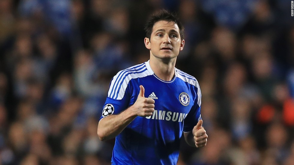 Frank Lampard gives the thumbs up after scoring for Chelsea from the spot against Benfica at Stamford Bridge