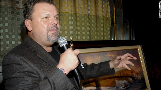 Artist Thomas Kinkade speaks about his art in a November 2006 event in New York City.