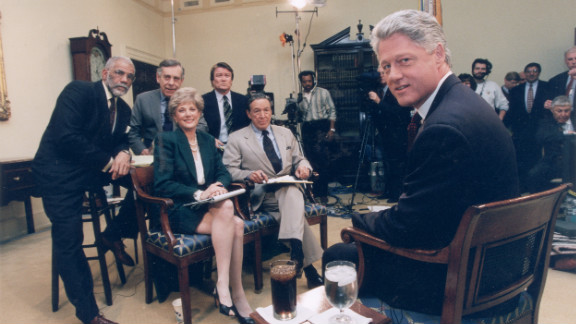 """60 Minutes"" reporters  Ed Bradley, back row from left,  Morley Safer, Steve Kroft, Lesley Stahl and Mike Wallace pose for a photo with President Bill Clinton at the White House in 1995. Wallace was with ""60 Minutes"" when it debuted in 1968. In 2006, he became a correspondent emeritus and stopped appearing regularly."