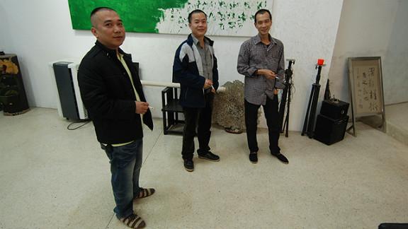 The Yiangjiang Group - Sun Qingling (left), Chen Zaiyan and Zheng Guogu - subvert Chinese calligraphy