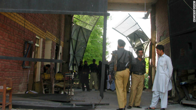 Prisoners escape from Pakistan prison