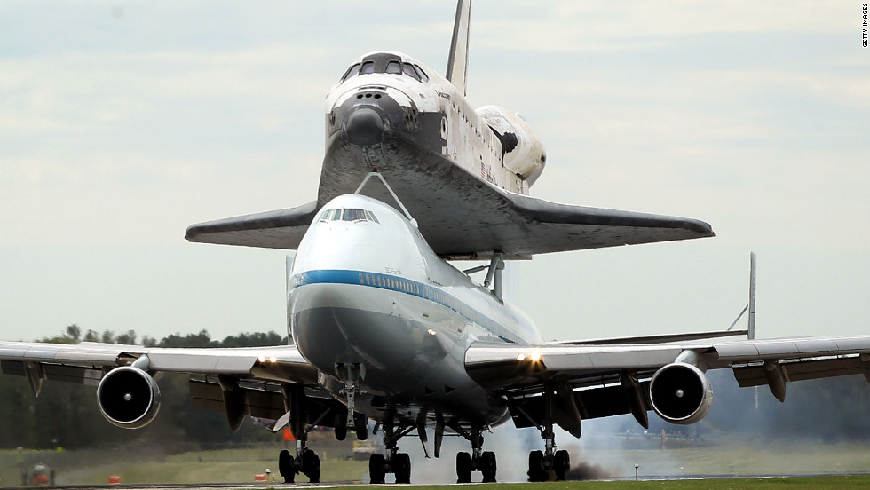 Shuttle Discovery lands at Washington Dulles International Airport in Chantilly.