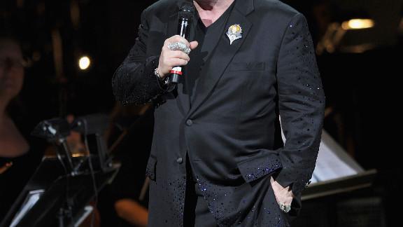It's Elton John!