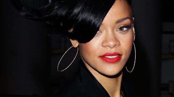 It's Rihanna!