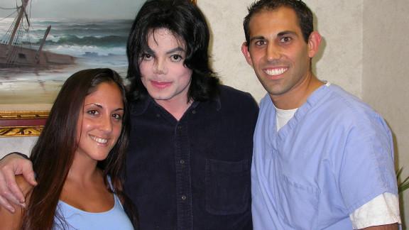 It's Michael Jackson!