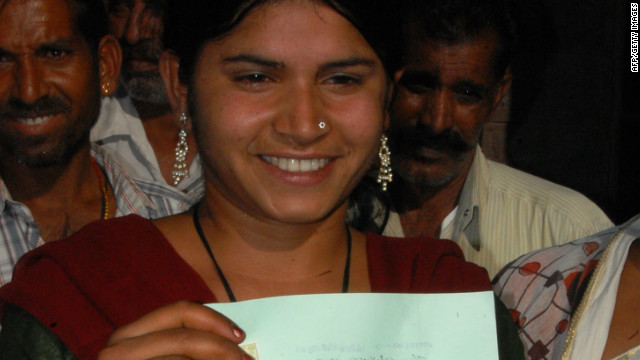 Laxmi Sargara, 18, holds her certificate proving the annulment of her marriage in Jodhpur on April 24, 2012.