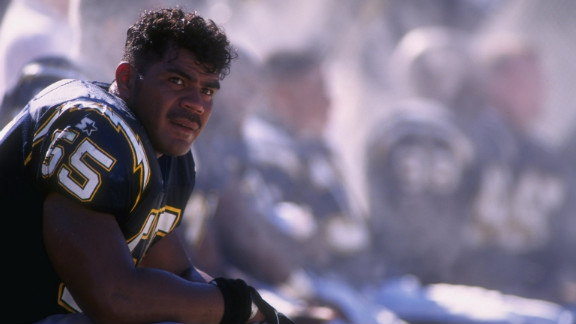 Junior Seau as a San Diego Charger in 1996. Seau also played for the Dolphins and Patriots.