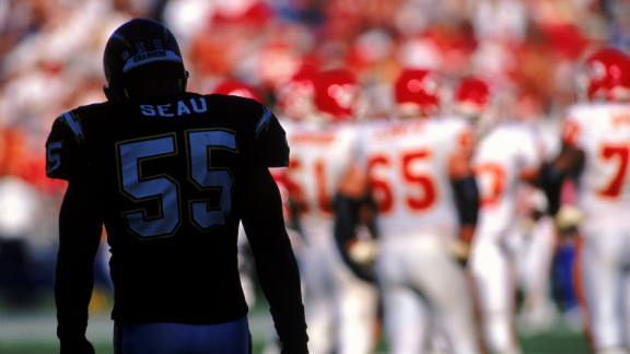 Seau takes the field during the 1999 game against the Kansas City Chiefs.