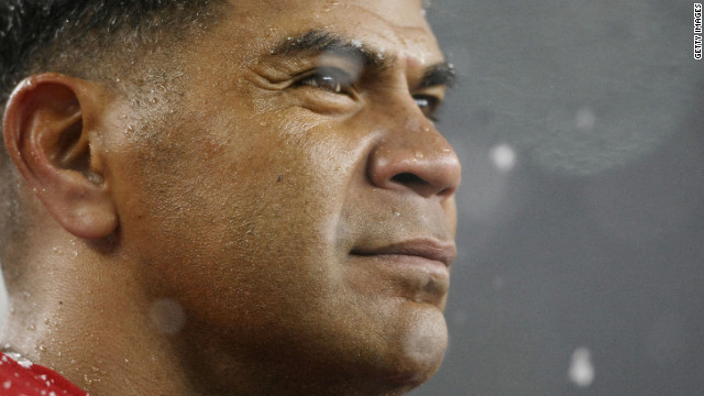 'Paddle-Out' honors Junior Seau