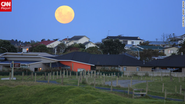 iReporter captures super moon over NZ