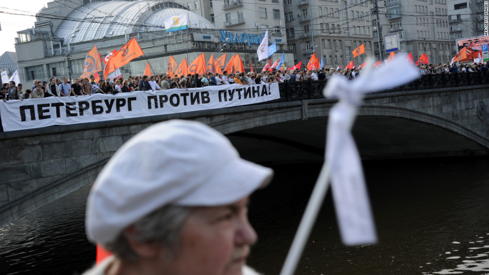 Demonstrators agreed with Moscow authorities on a route to Bolotnaya Square, but a large number of them veered off the path.