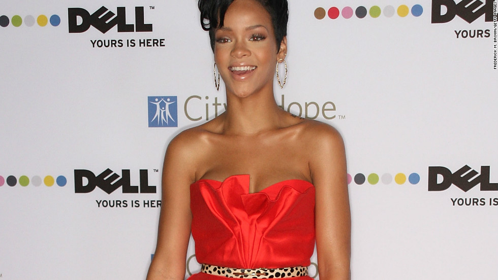 As well as dreamy, voluminous gowns, Lhuillier also does shorter numbers like the one pop star Rihanna wore to a 2008 Spirit of Life Award dinner.