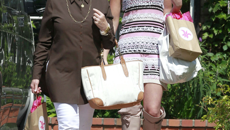 Katherine Heigl celebrates Mother's Day with her mother in Los Angeles.