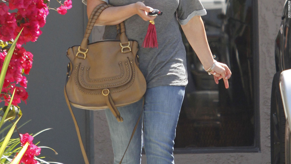 Hilary Duff leaves the dentist's office in Burbank.