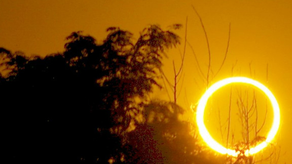 Joel Dykstra unexpectedly captured the ring of fire from his backyard in Roswell, New Mexico.