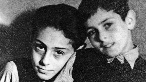 Buddy Elias, left, and his brother Stephan in 1934.