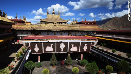 Visit the holiest Tibetan temple
