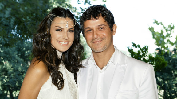 Raquel Perera married singer-songwriter Alejandro Sanz.
