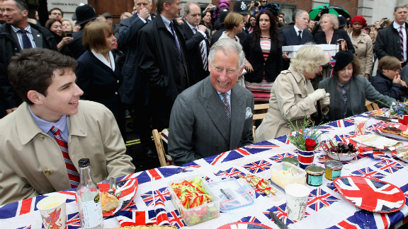 """Prince Charles, Prince of Wales and Camilla, Duchess of Cornwall attend the """"Big Jubilee Lunch'"""" in Piccadilly ahead of the Diamond Jubilee River Pageant."""