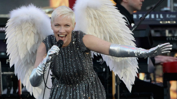 """Singer Annie Lennox performs performs her hit """"Must Be Talking to an Angel."""""""