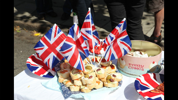 Residents of Horringord Road celebrate the Diamond Jubilee.