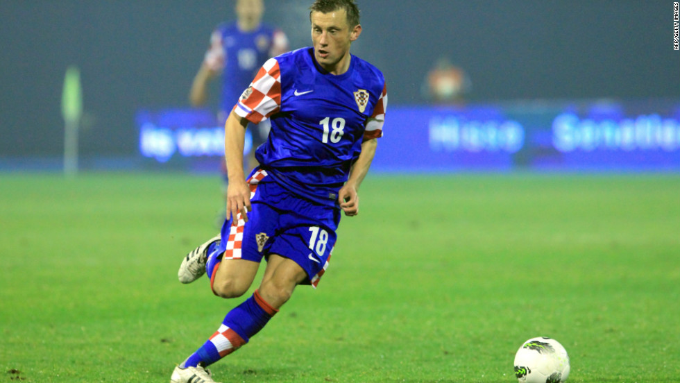 Striker Ivica Olic was ruled out of Croatia's Euro 2012 squad after rupturing a thigh muscle in the 1-1 friendly draw with Norway.