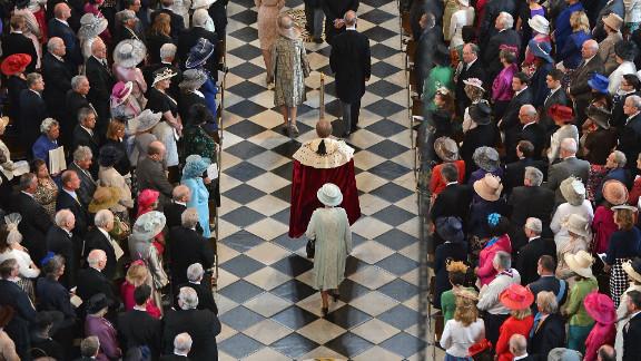 Queen Elizabeth II arrives inside St Paul