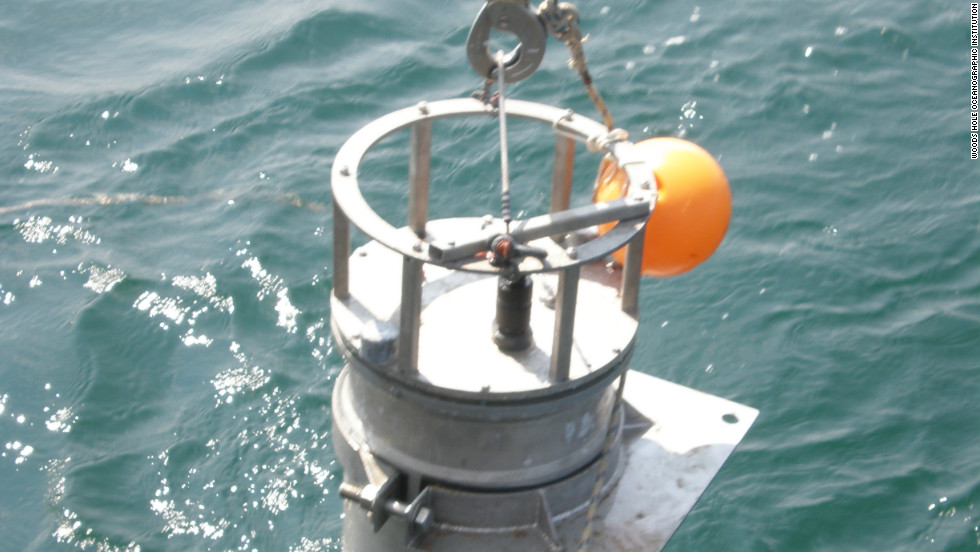 WHOI biologist Sam Laney used this submersible Imaging FlowCytobot, which helped detect a toxic algal bloom in the Gulf of Mexico in 2008, to photograph marine organisms and measure chlorophyll fluorescence.