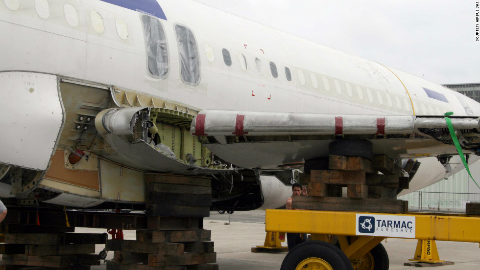 Up to 87% of an airplane can be salvaged, says Sebastien Medan, Tarmac's head of dismantling.