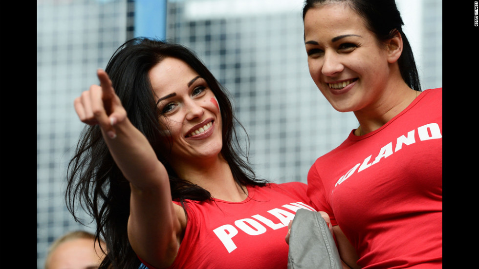 Fans enjoy the atmosphere during the match between Italy and Croatia in Poland on Thursday.