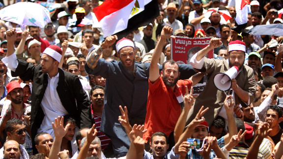 Muslim clerics join demonstrators in Cairo