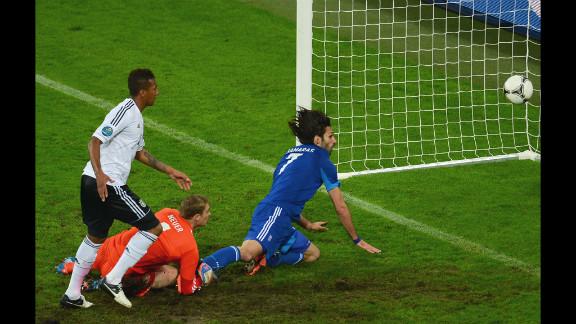 Georgios Samaras of Greece scores the team