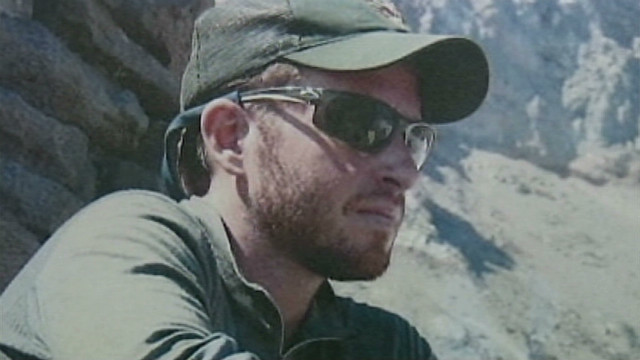 Ranger dies attempting to save climbers