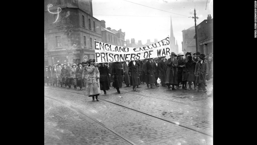 Republicans protest in the streets of Dublin, Ireland, against the hanging of IRA volunteers by the British government in 1921. The IRA was created in 1919 with the purpose of ending British rule in Northern Ireland through armed force.