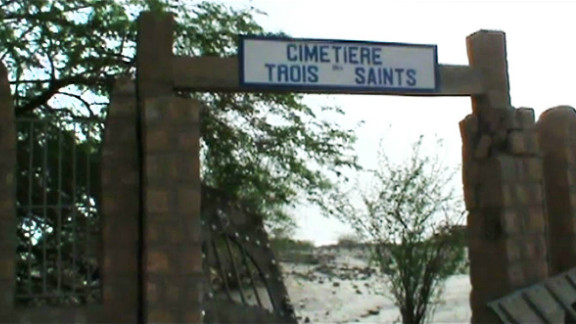 """The entrance of the """"Cemetry of three Saints"""" was also attacked by Islamist militants in Timbuktu."""