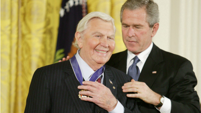 2005: Griffith gets Medal of Freedom